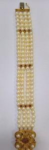 Vierreihiges Perlenarmband