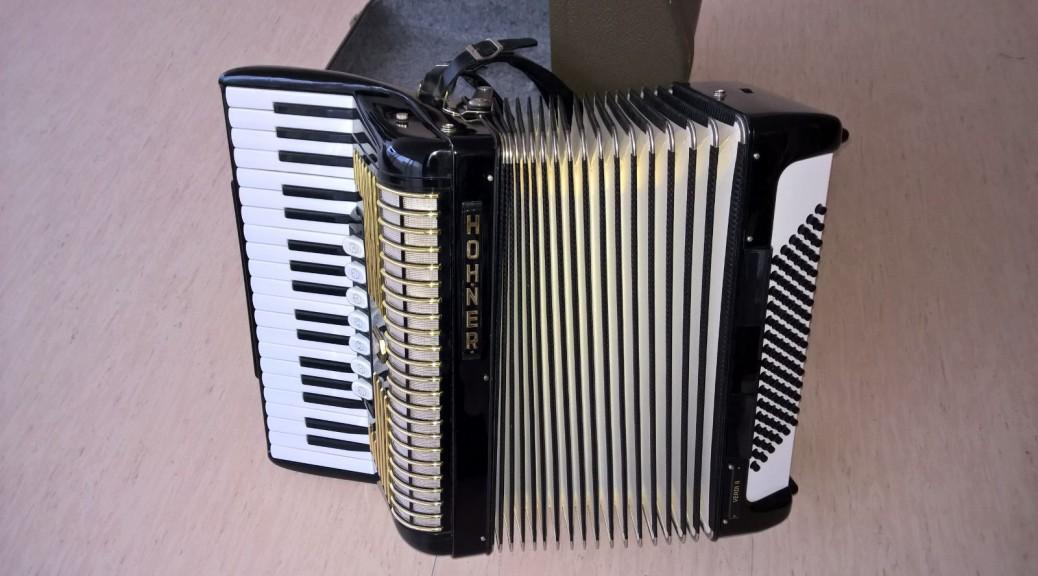 Akkordeon HOHNER Verdi II