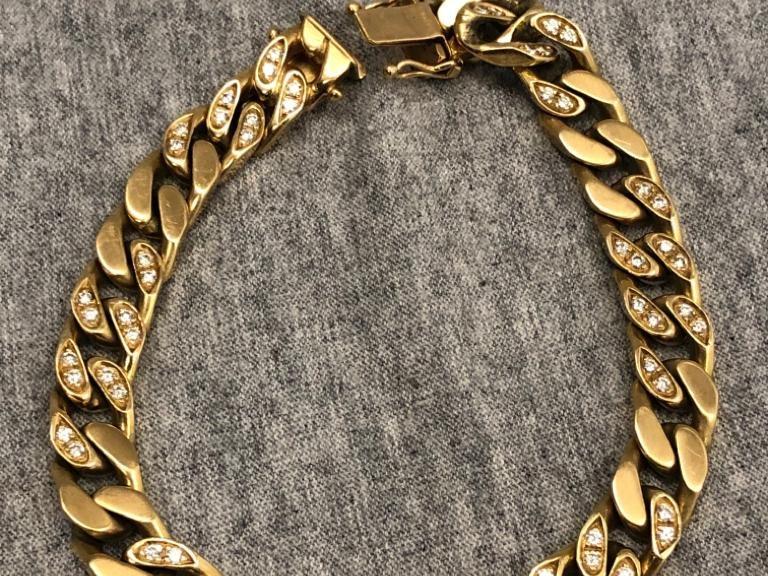 Goldarmband mit Brillanten