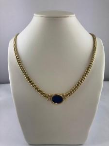 Goldenes Collier mit blauer Platte