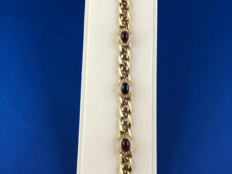Goldenes Armband mit Halb-Edelsteinen