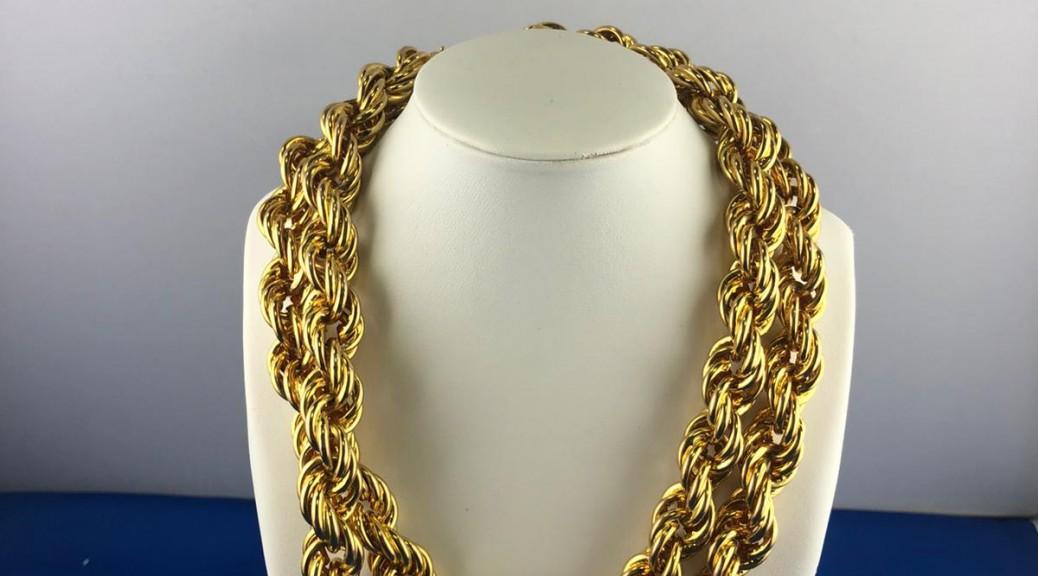 Gedrehte Goldkette